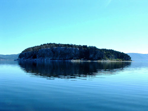 Picture of golem grad island seen from the water